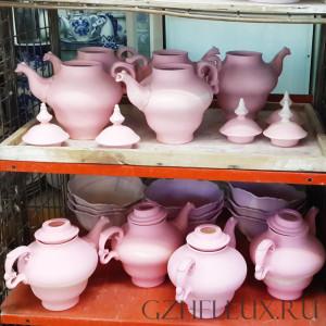 Розовые изделия Гжель