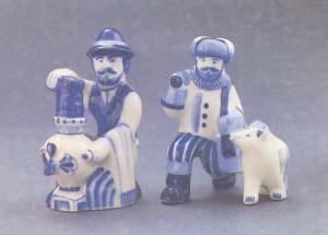 Гаранин Ю. Н. Скульптуры «В чайной», «Рыбак с собакой»