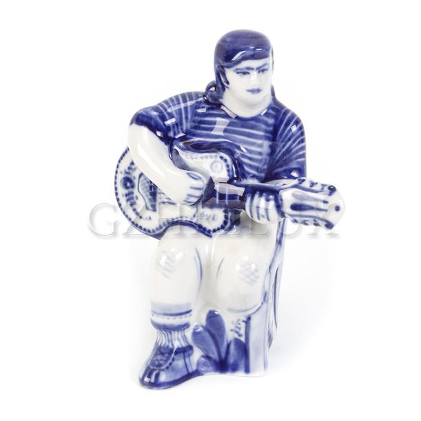 Скульптура «Гитарист»
