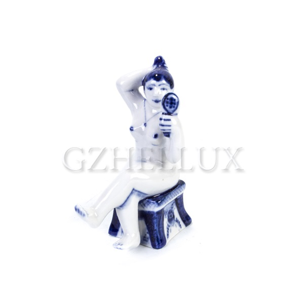 Скульптура «Гжельская Банька» №9 (Женщина с зеркалом)