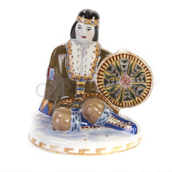 Скульптура «Шаман» в красках