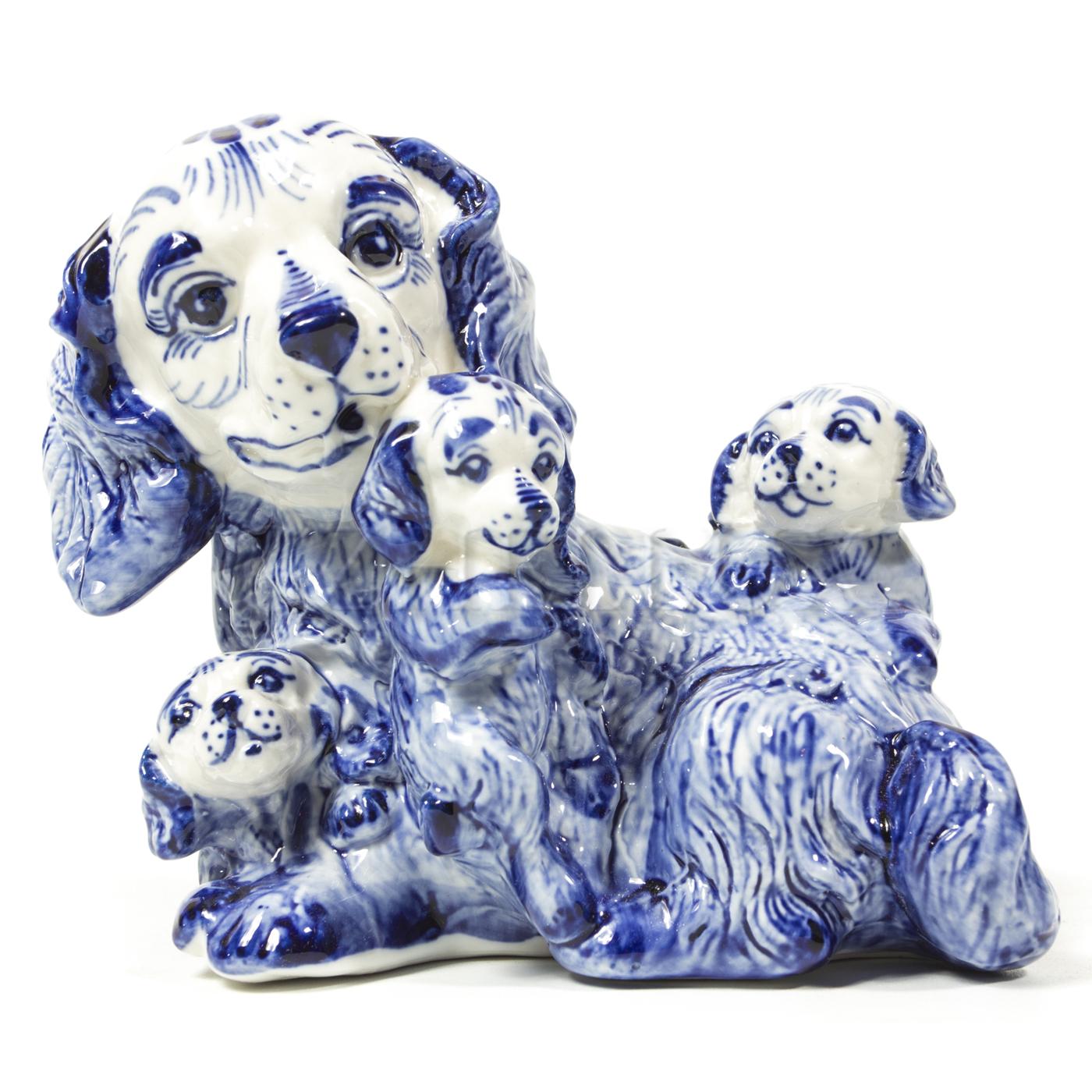 Скульптура «Собака Мама»