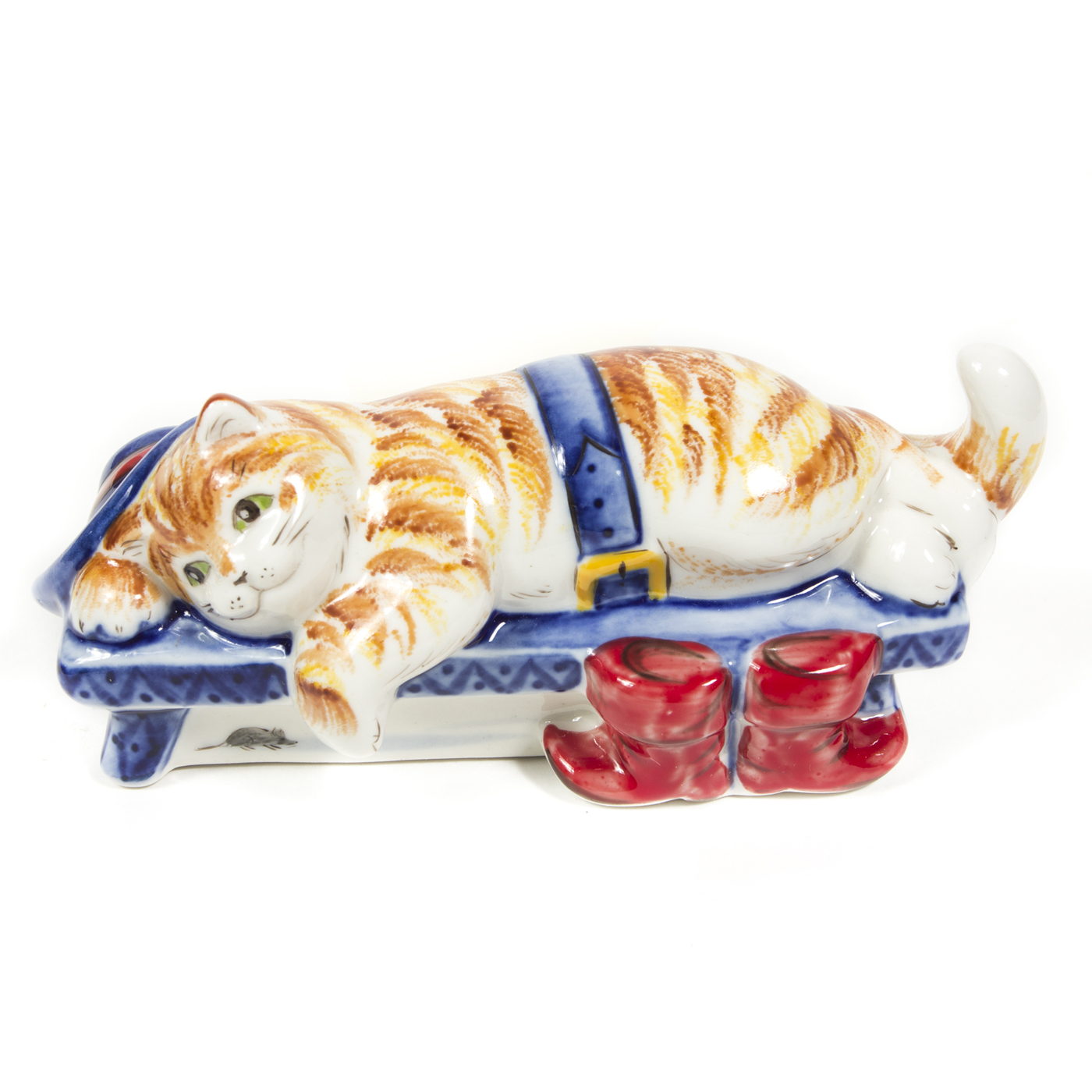 Скульптура «Кот в сапогах» в красках