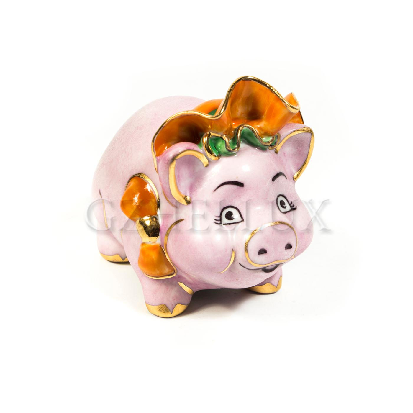 Скульптура «Свинья Роза» в красках