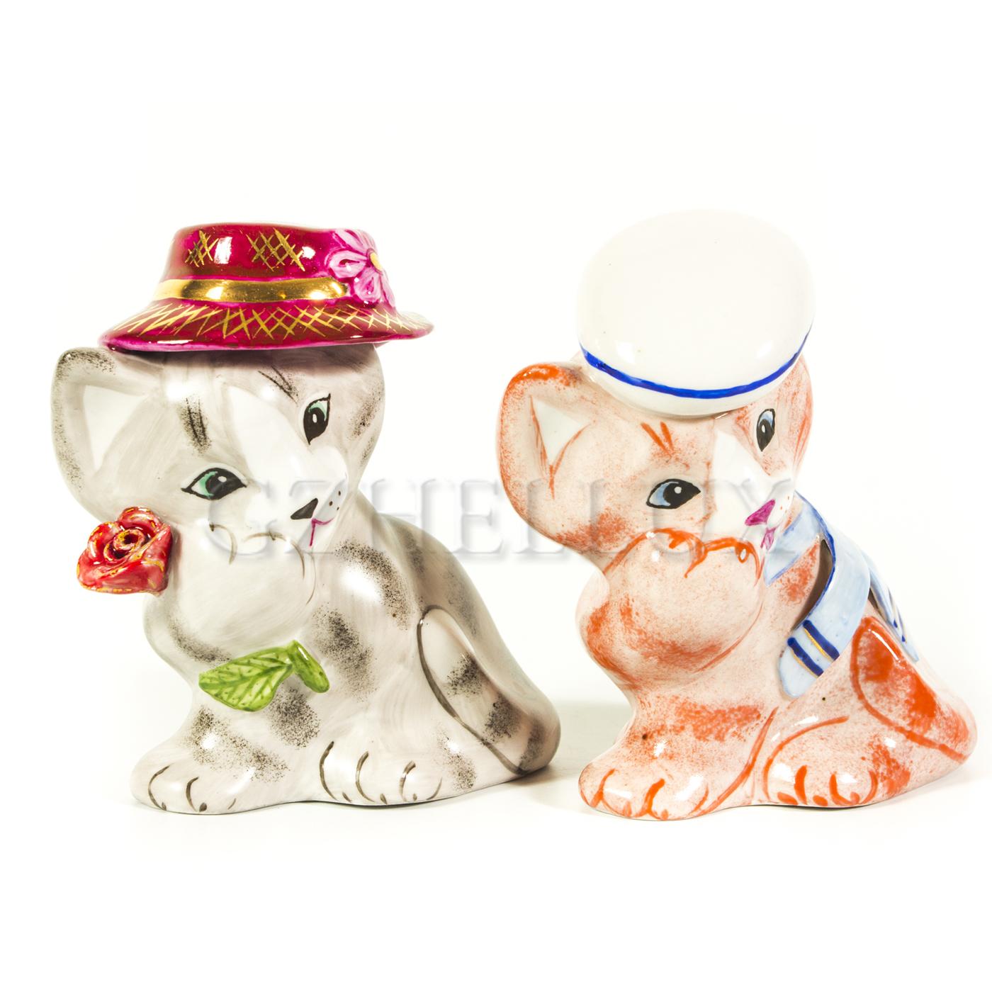 Скульптура «Кот в шляпе» в красках