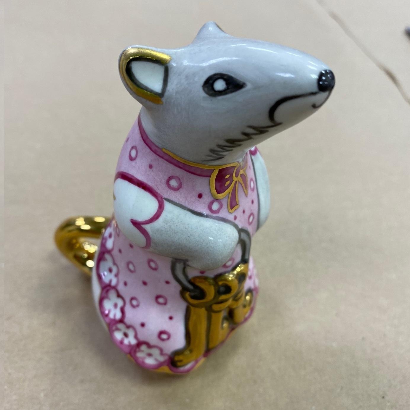 Скульптура «Мышь — Хозяйка кладовой» в красках