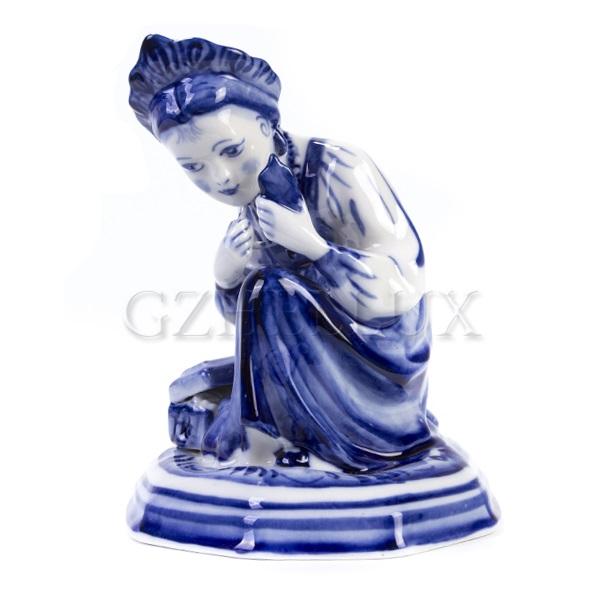 Скульптура «Девушка с зеркалом»