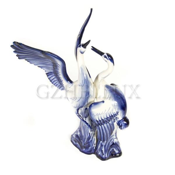 Скульптура «Аисты»
