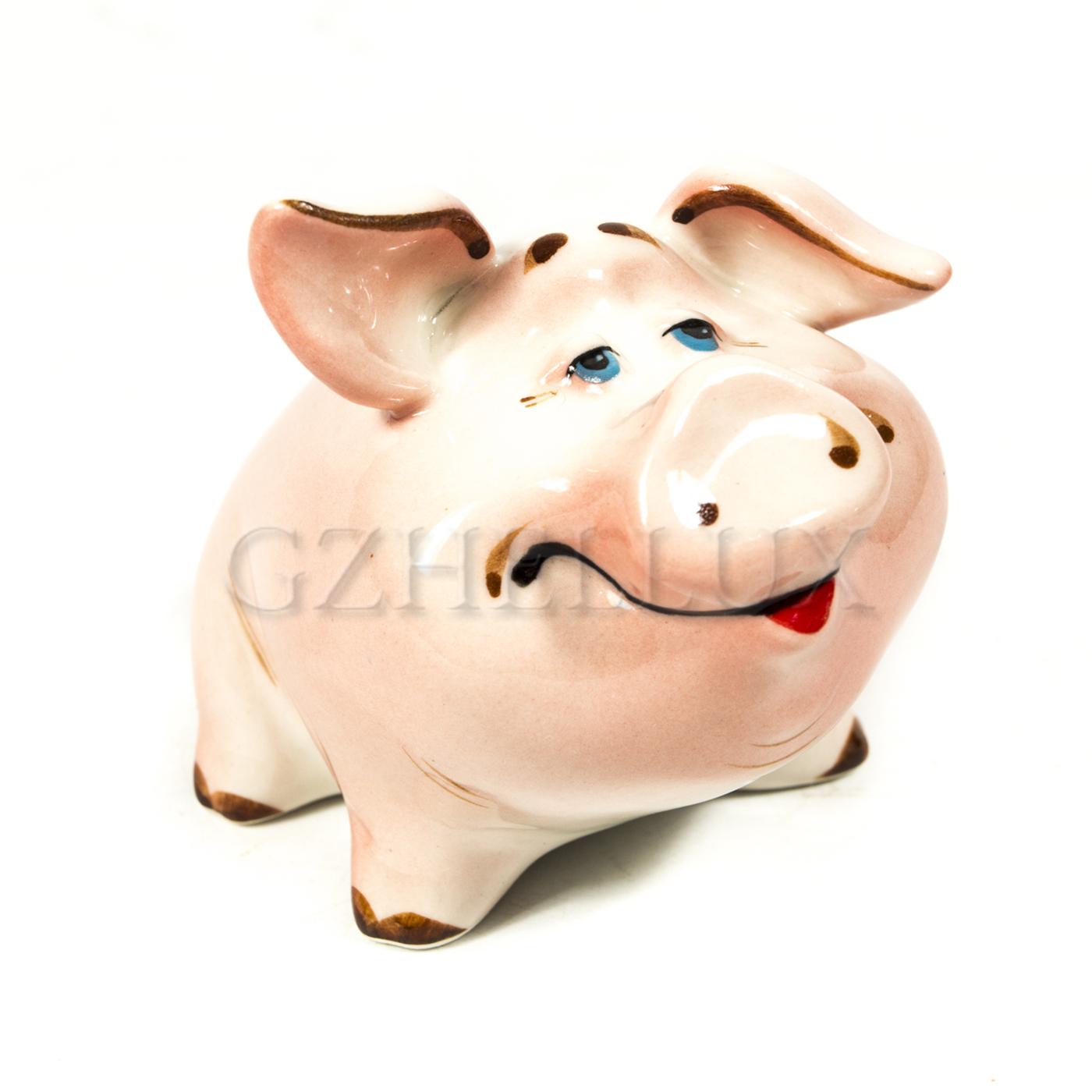 Скульптура «Свинка Веселая» в красках