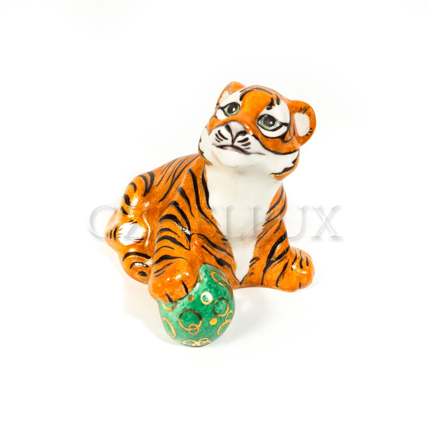 Скульптура «Тигр» в красках