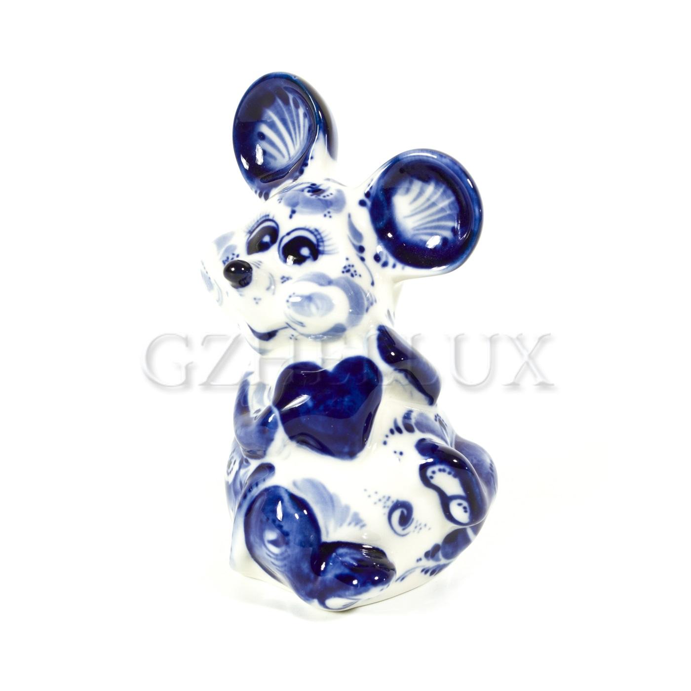 Скульптура «Мышь с сердцем»