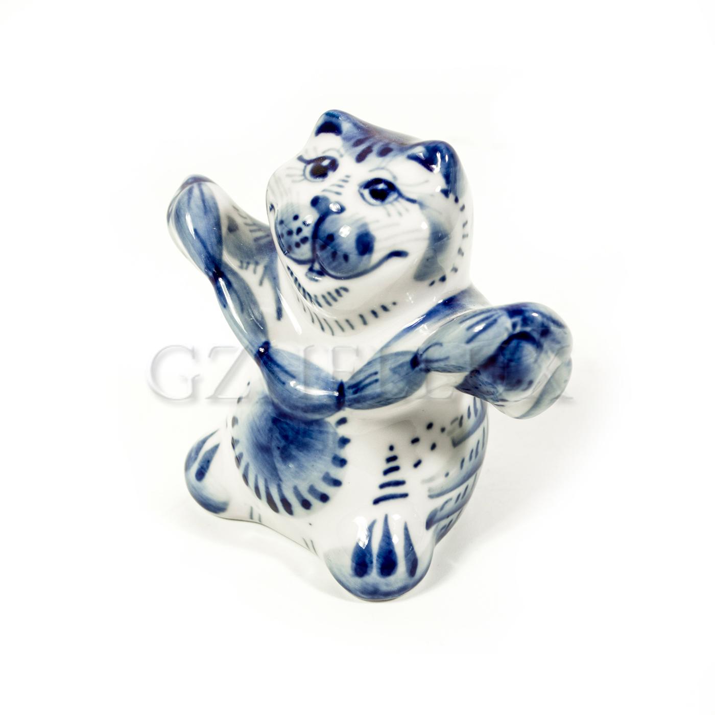 Скульптура «Кот с сосисками»