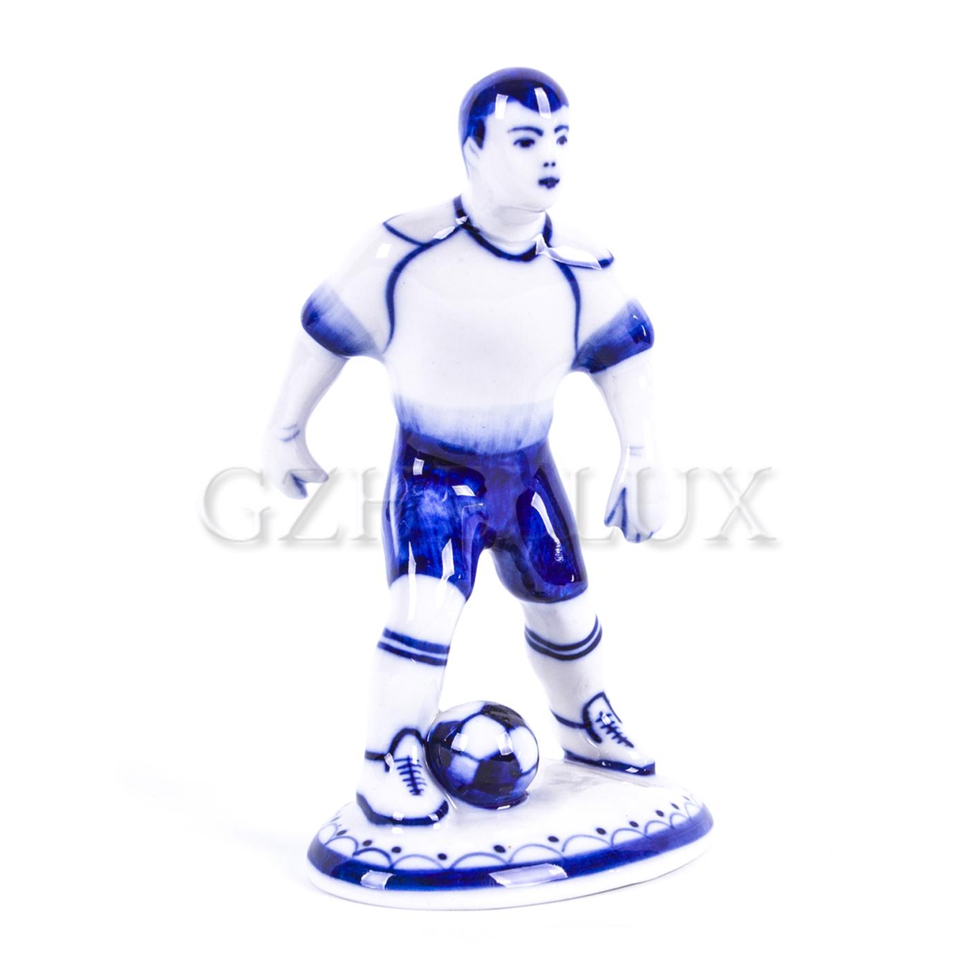 Скульптура «Футболист с мячом»